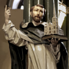New Haven Church sculpture depicts St. Thomas Aquinas