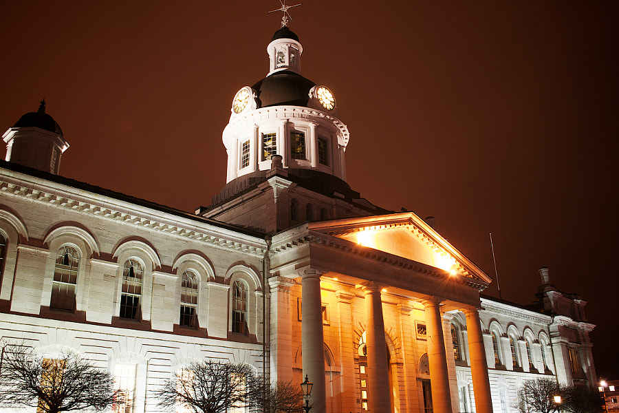 Kingston city hall at night