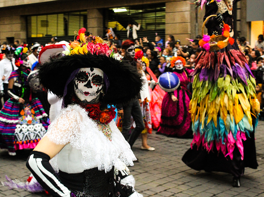 Catrina in dead parade by Lianfranco Pinillo on 500px.com