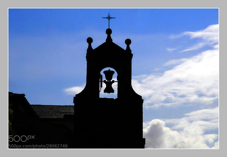 Camino de Santiago 2012  El Acebo - Ponferrada III  ___________________________________  La Campana,   The Bell.