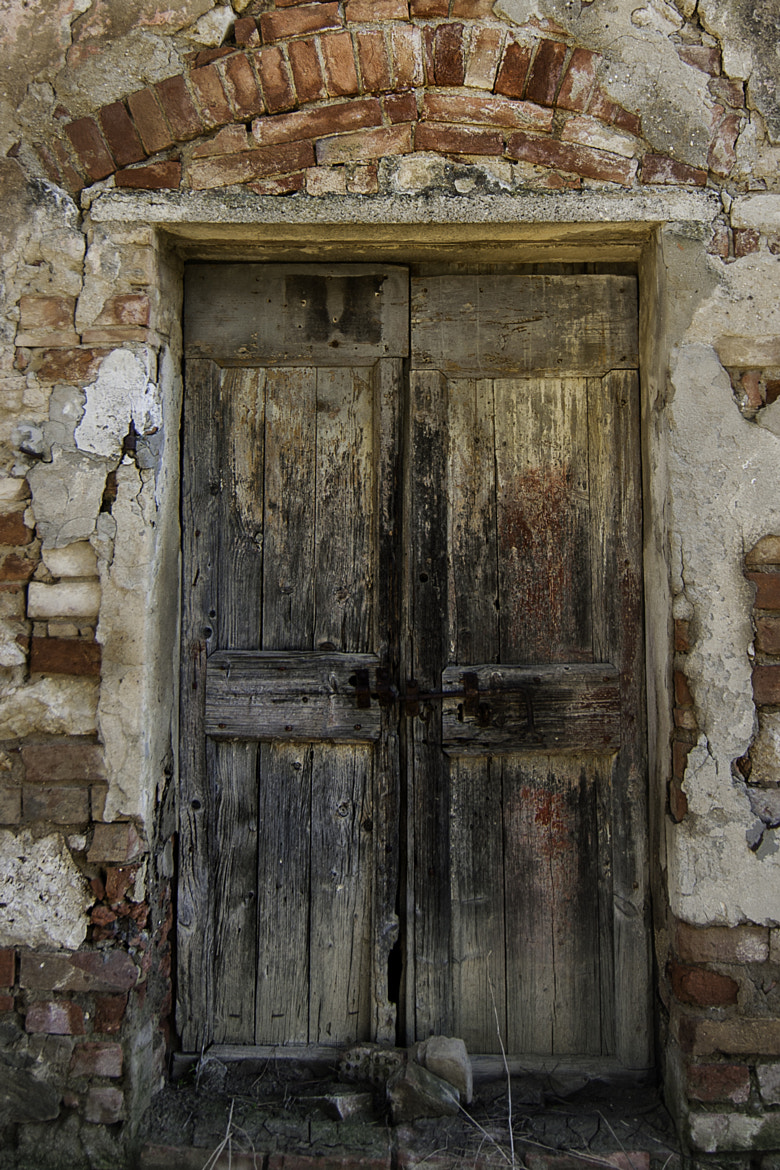 Photograph Old door (color) by Daniele Sangiorgio on 500px