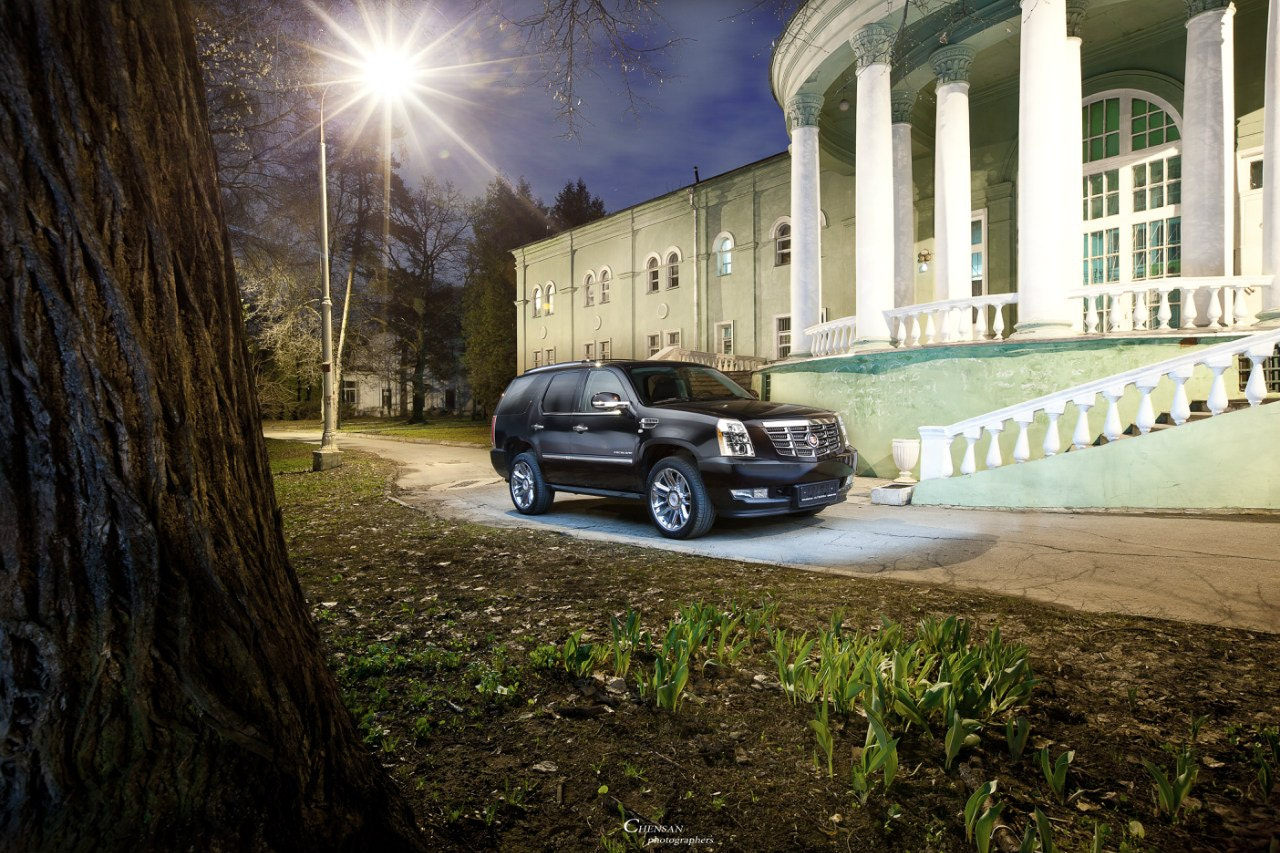 Photograph Sturdy child of America ( cadillac escalade 2012 ) by Chensan by  Chensan on 500px