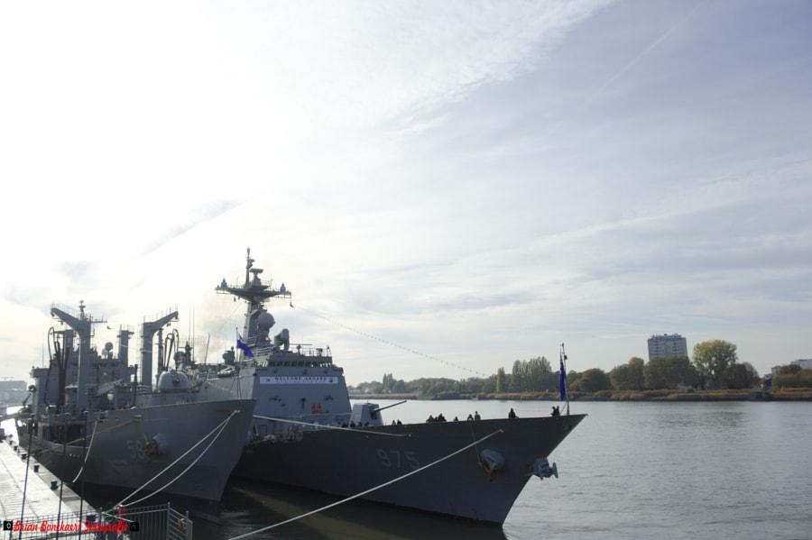Zuid-Koreaanse oorlogschepen in Antwerpen by Brian Bonckaert on 500px.com