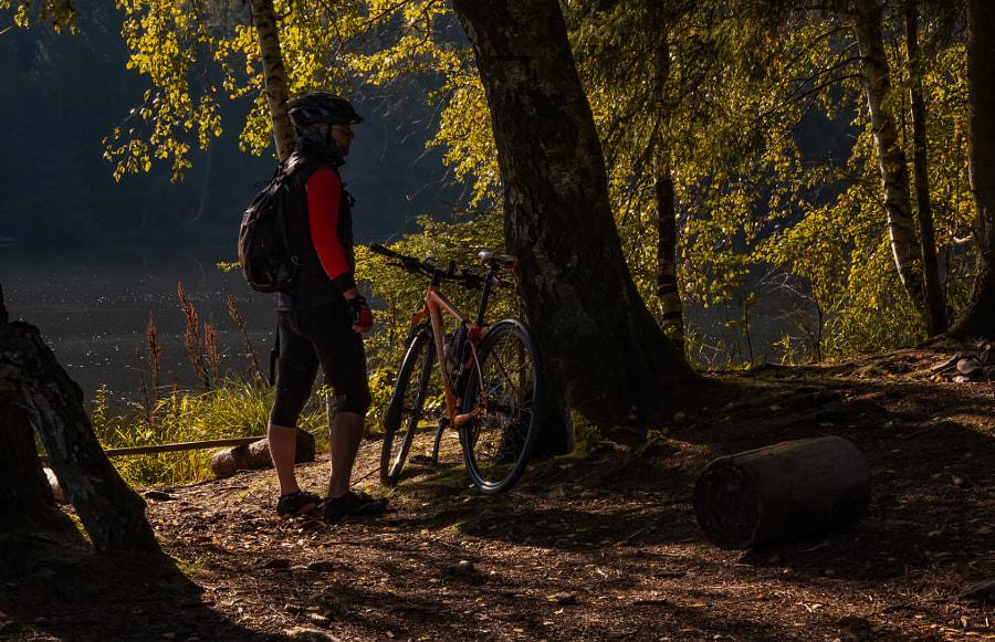 cyclist alone, автор — Anton Werner на 500px.com
