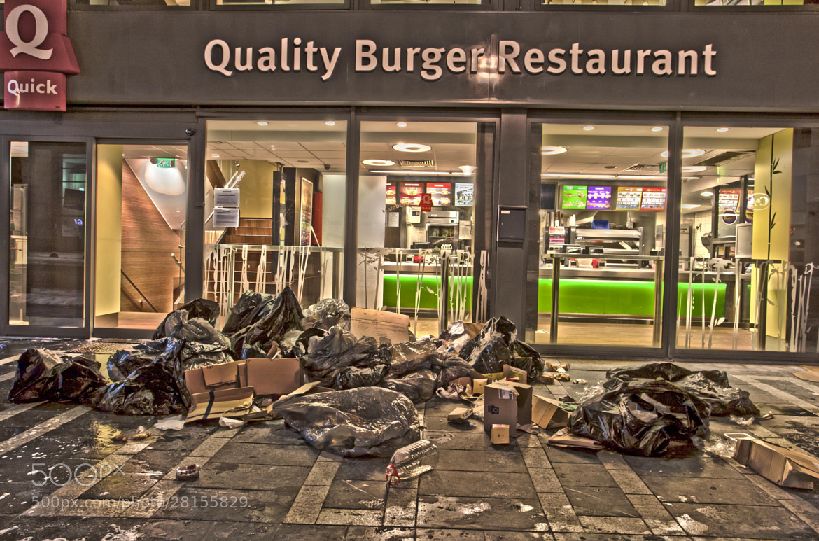 Photograph Quick, quality Burger restaurant ? Of course... by florent Perris on 500px