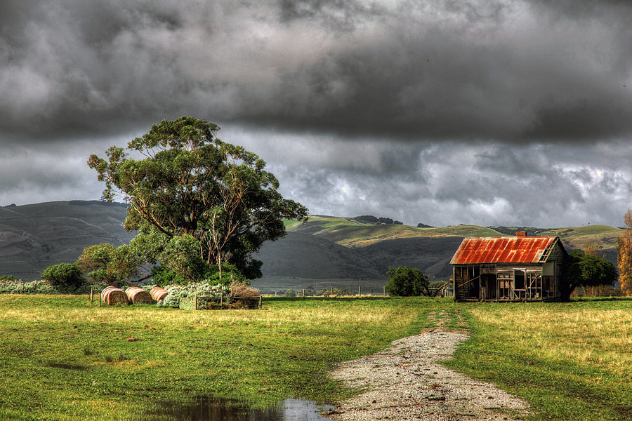 Photograph Roadside barn by Pedro Catalão on 500px