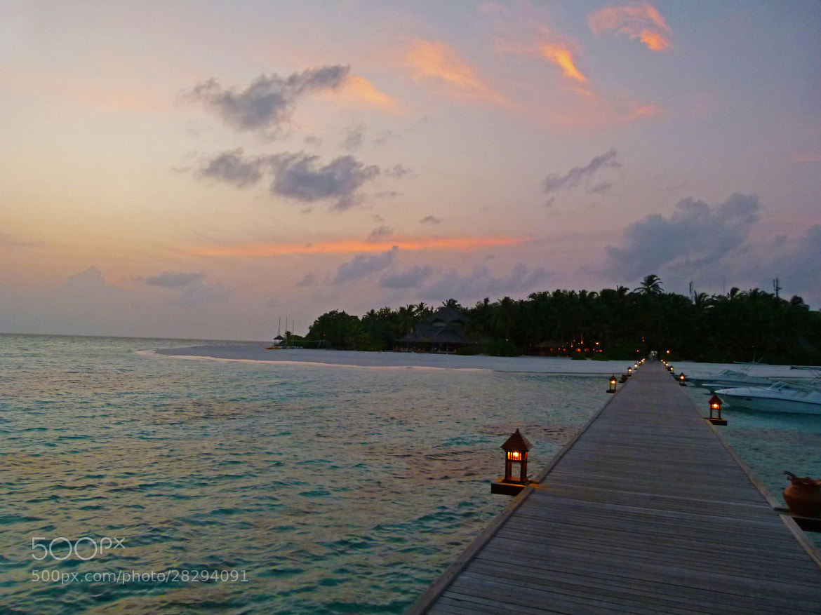 Photograph Postcard Sunsets, Vabbinfaru - MALDIVES by sharon ang on 500px