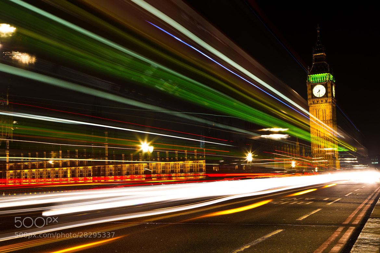 Photograph Houses of Parliment_Light Streak by Julian Roshan on 500px