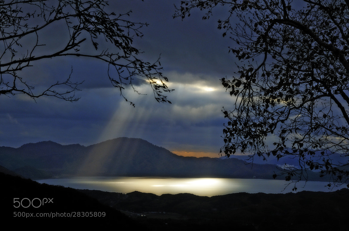 Photograph Ray of light by Haru Digital phot on 500px