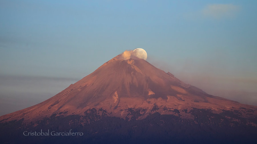 Full moon and volcano  by Cristobal Garciaferro on 500px.com