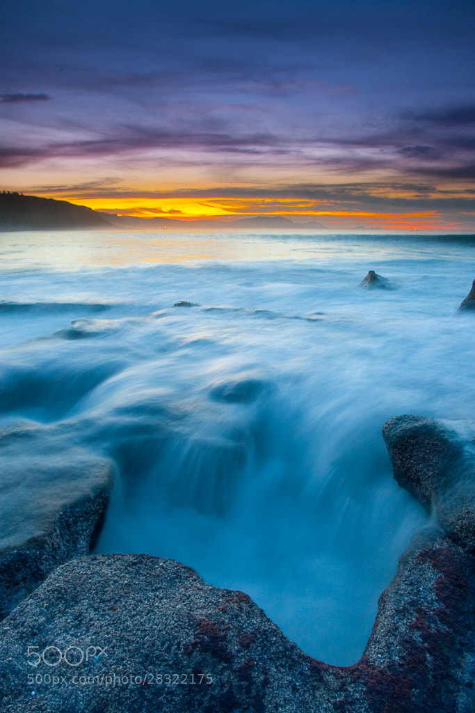 Photograph A hole in the rock by Sabin Merino on 500px