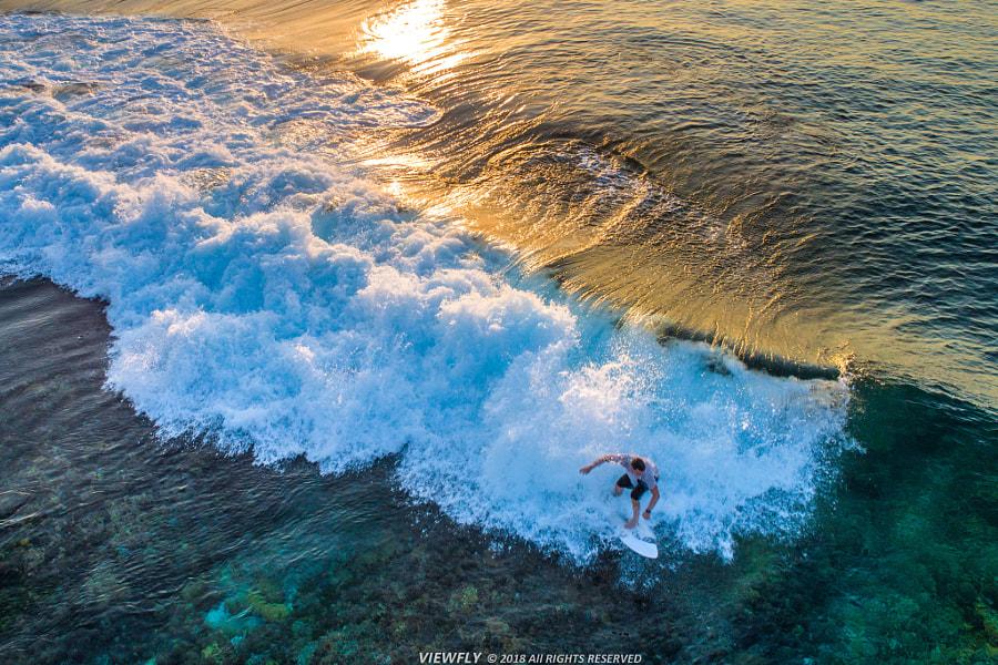 弄潮儿 Fun in the waves by Viewfly on 500px.com
