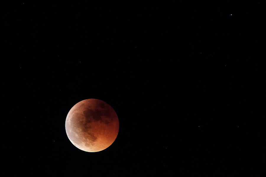 Photograph Red Moon by Gustavo Barba on 500px