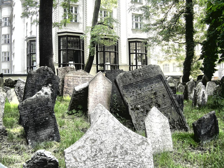 Photograph Starý Židovský Hřbitov by Alessandro Canalis on 500px