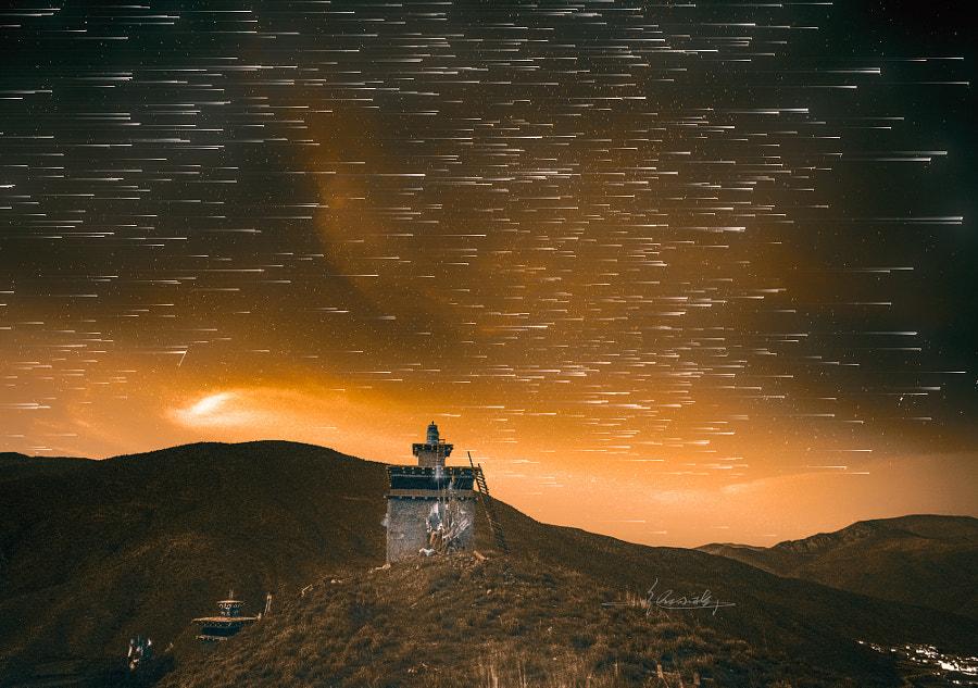 洛隆的夜晚 by 纵 小 横 on 500px.com
