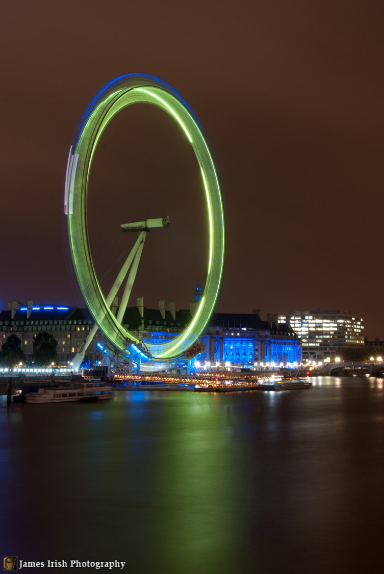 Photograph The luminescent green of the London Eye by James Irish on 500px