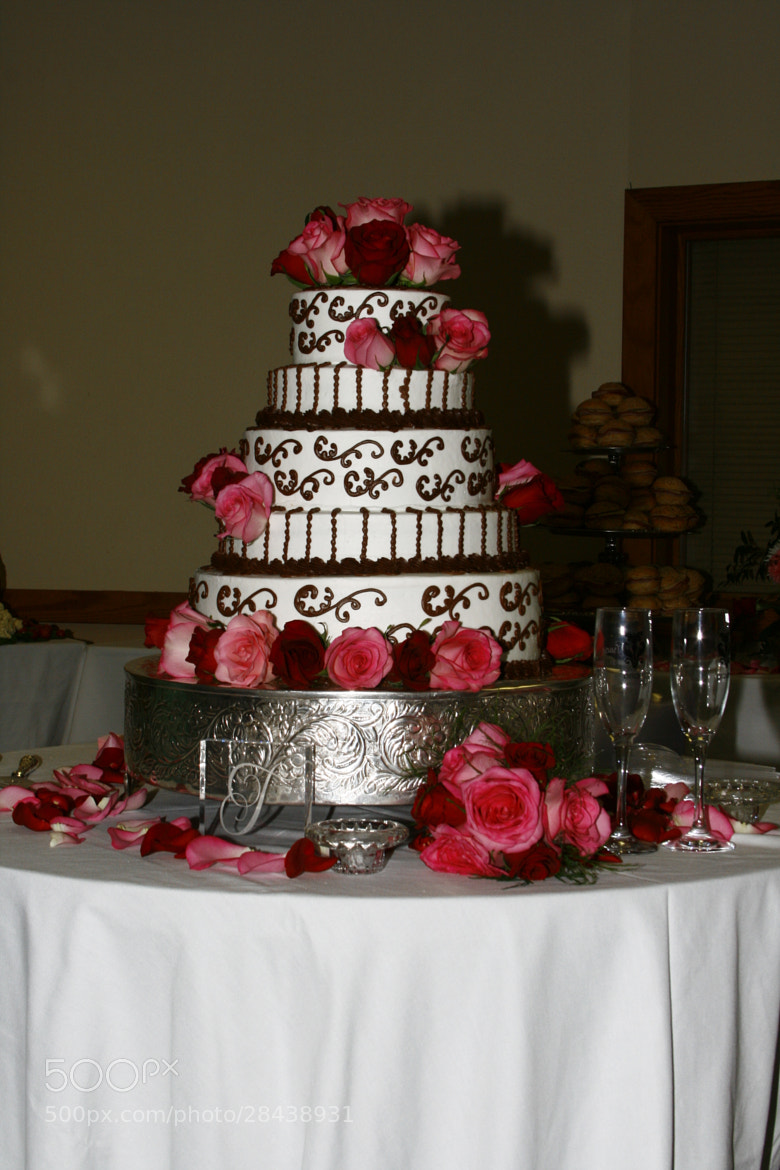 Photograph Ultimate wedding cake  by Brenda Wright on 500px