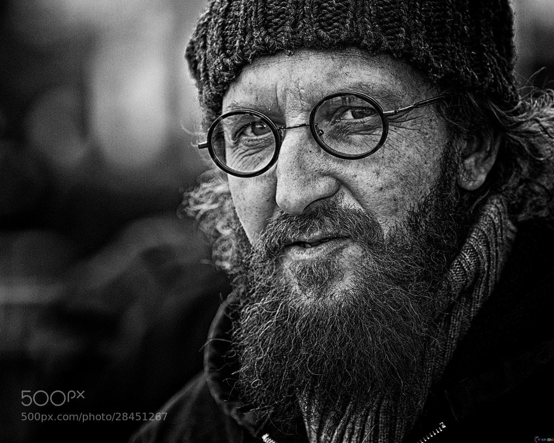 Photograph through round glasses by kip garik on 500px