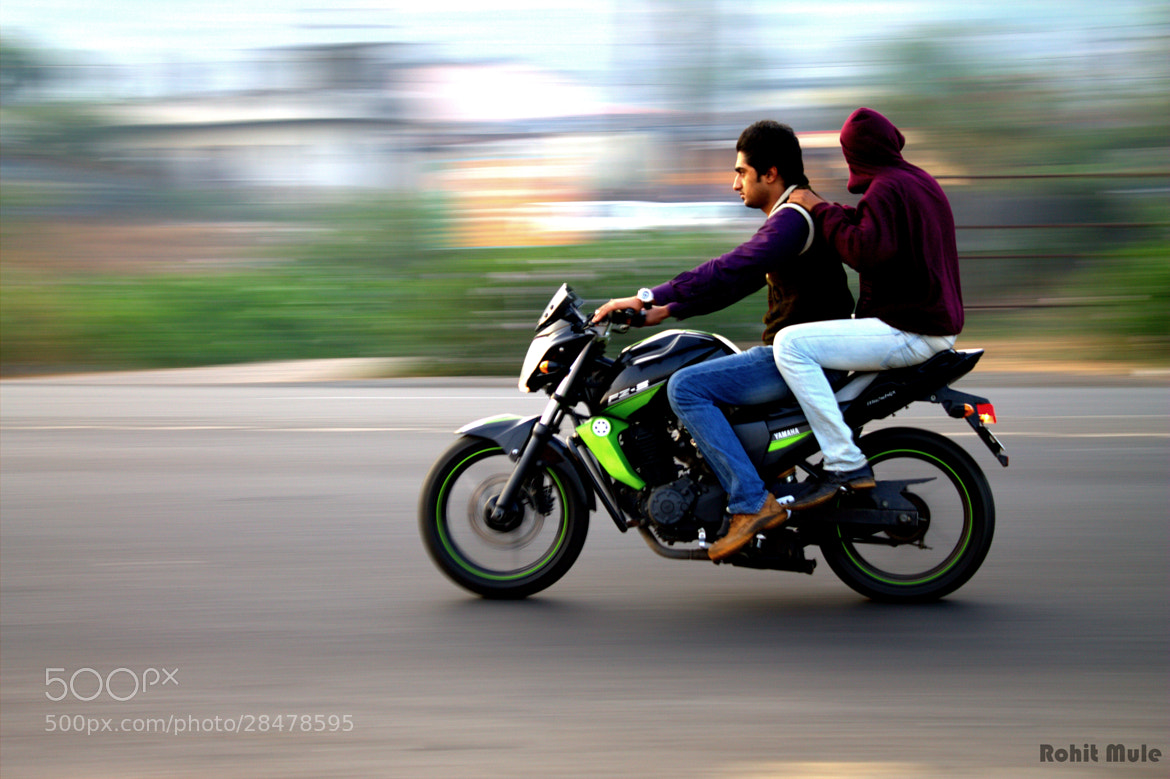 Photograph YAMAHA FZ-S by Rohit Mule on 500px