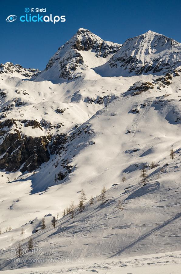 Photograph Gran e Petit Tournalin, sovrani della comba dii Cheneil... (Valtournenche, Valle d'Aosta) by Francesco Sisti on 500px