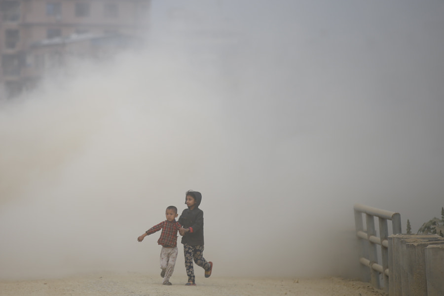 Pollution in Nepal by Skanda Gautam on 500px.com