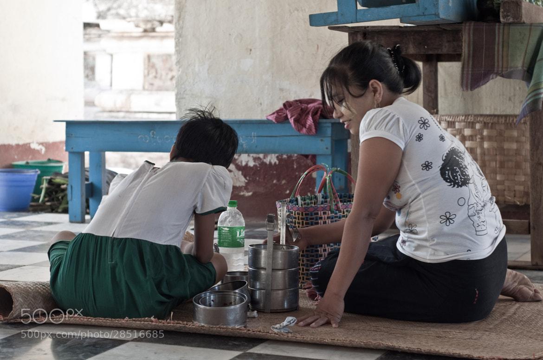 Photograph Lunch break in Burma by Nabil BACHIR-CHERIF on 500px