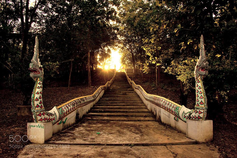Photograph Walkway of Thai temple by Jakrapong Sombatwattanangkool on 500px