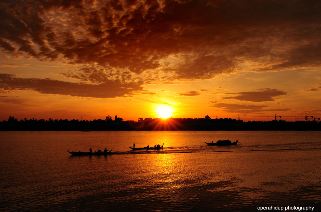 Photograph SUNRISE IN MEKONG RIVER by OPERAHIDUP PHOTOGRAPHY on 500px