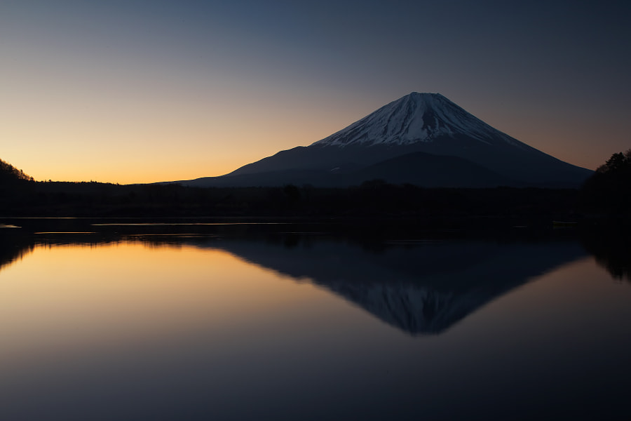 This is Mt.Fuji from lake Shojinko before sunrise. (taken at 5:35 AM)