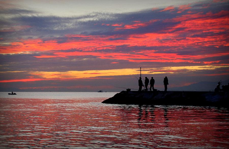 Altınoluk ve akşam ... by Ahmet GÖRGÜN on 500px.com
