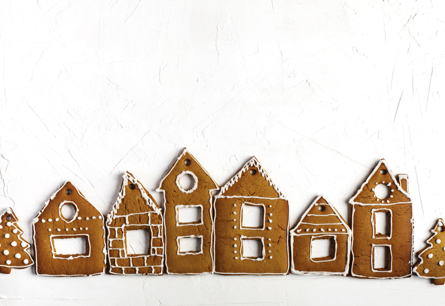 Christmas gingerbread houses. Christmas background with gingerb by Anjelika Gretskaia on 500px.com