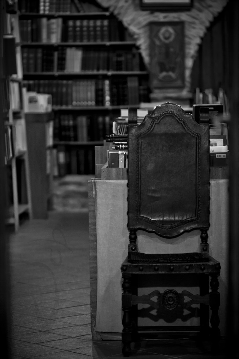 Photograph ~ read on thrones ~ by Jcb formo on 500px