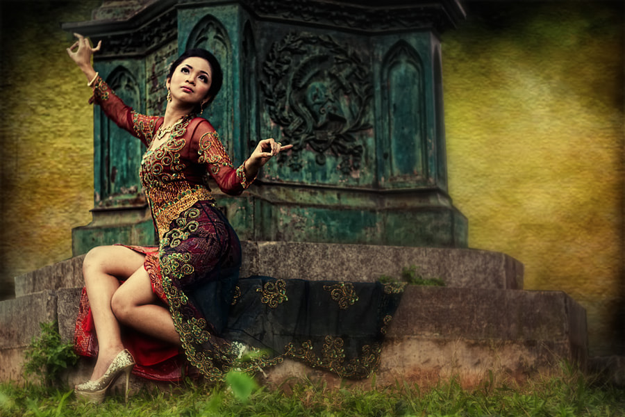 Photograph Traditional Fashion by Agus Basuki on 500px