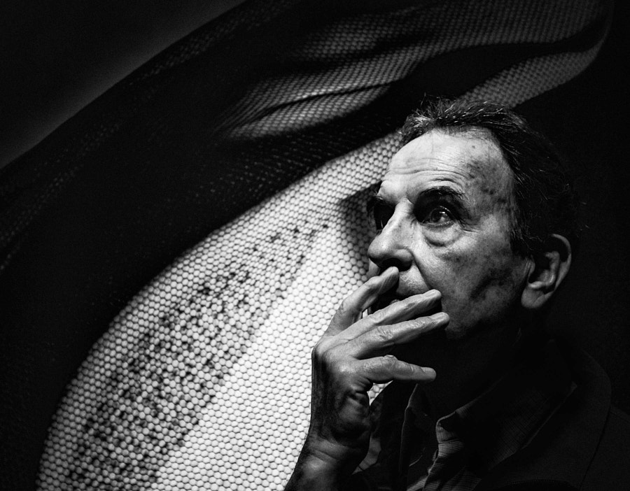 """Aldo Sessa, Photographer.  Buenos Aires, Argentina  © Betina La Plante.  All rights reserved.  For prints, licensing, or any other use please contact betinalap@gmail.com  <a href=""""http://www.facebook.com/BetinaLaPlante"""">Facebook</a> / <a href=""""https://twitter.com/BetinaLaPlante"""">Twitter</a> / <a href=""""http://www.flickr.com/photos/betinalaplante/"""">Flickr</a>"""