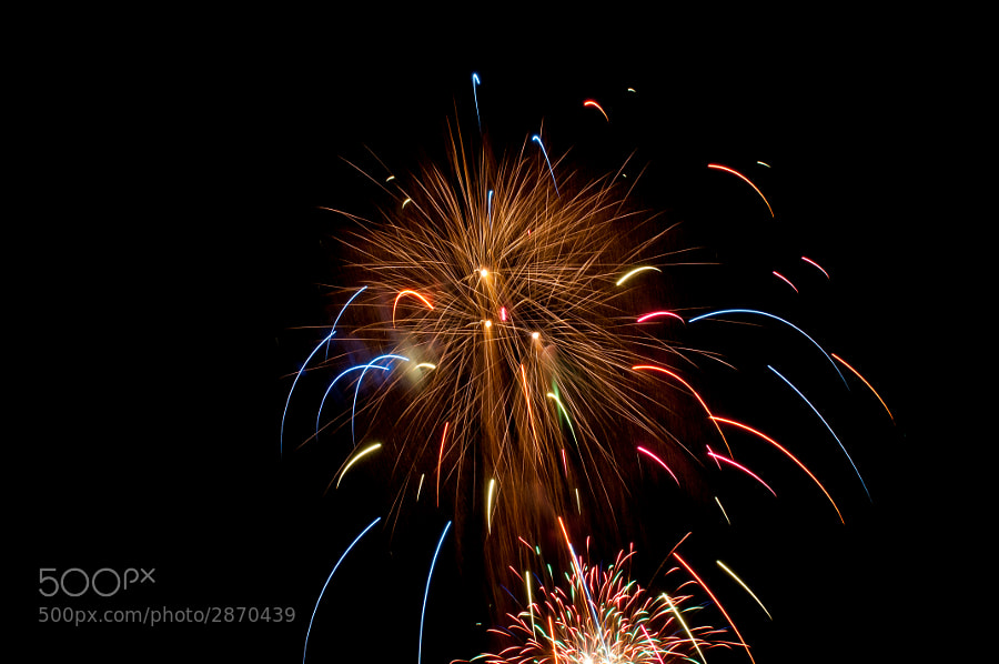 Another shot of the fireworks from Saturday night. Basic edit done in Camera RAW, no crop. Nikon D300s + Nikon 24-70mm with 2.9s exposure time via cable release.