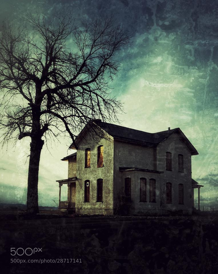 Photograph When love flees a home... by Johnny Gomez on 500px