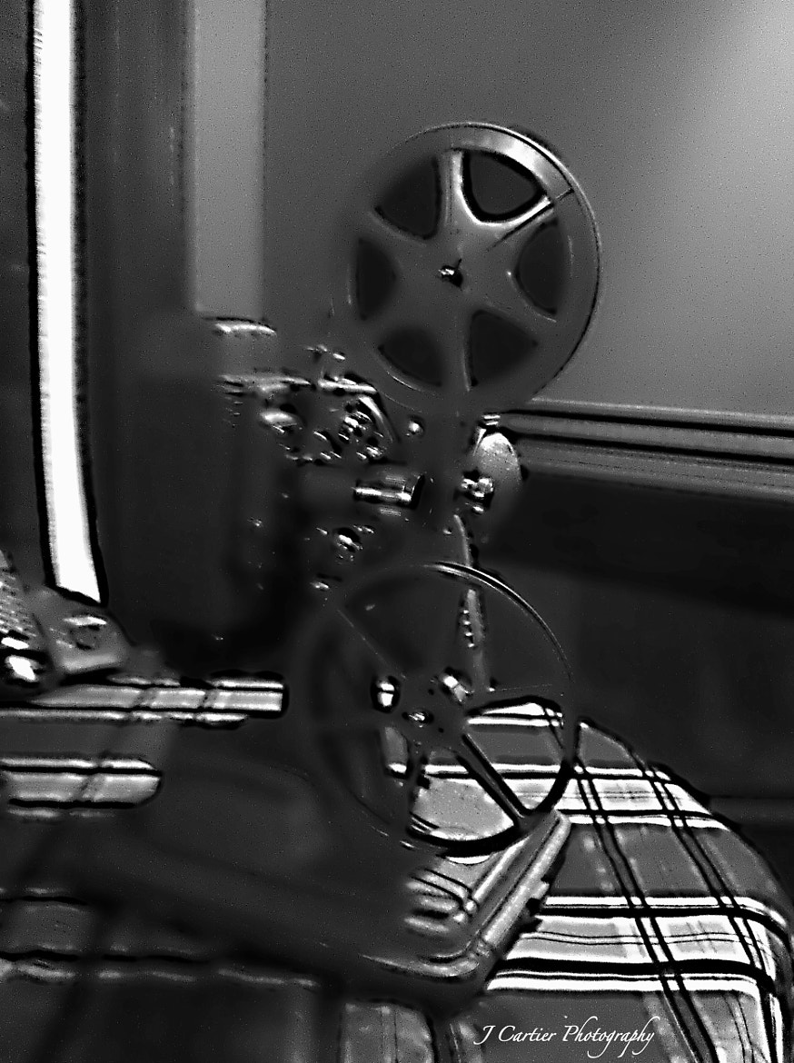 Photograph Vintage Home Movie Projector  by Jerome Cartier on 500px
