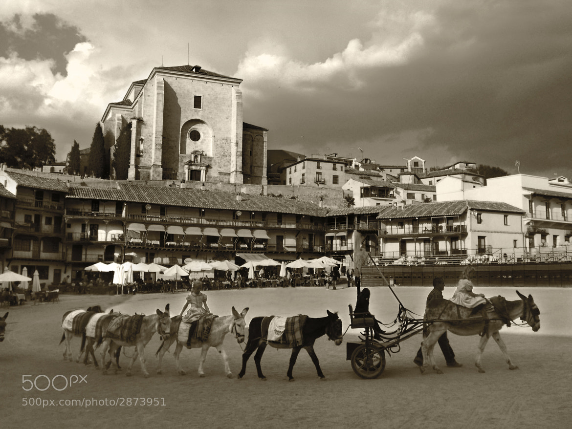 Photograph Plaza de Chinchón by Tony Roger on 500px