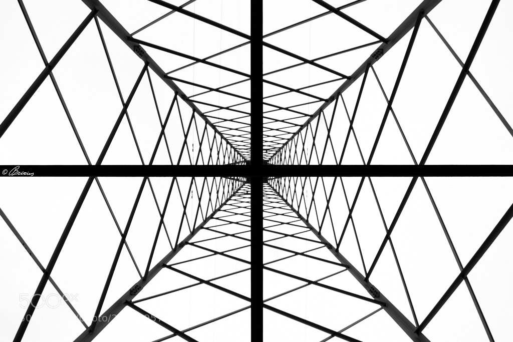 Photograph High Voltage Geometry by Fabrizio Ellena on 500px