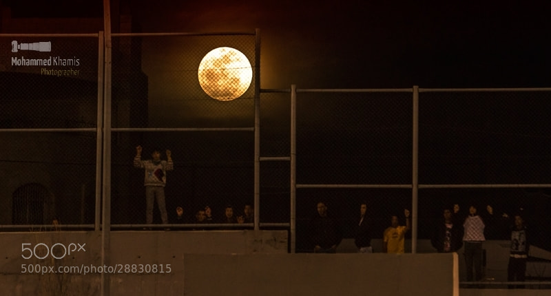 Photograph Children front of the face of the moon by MOHAMMED KHAMIS on 500px