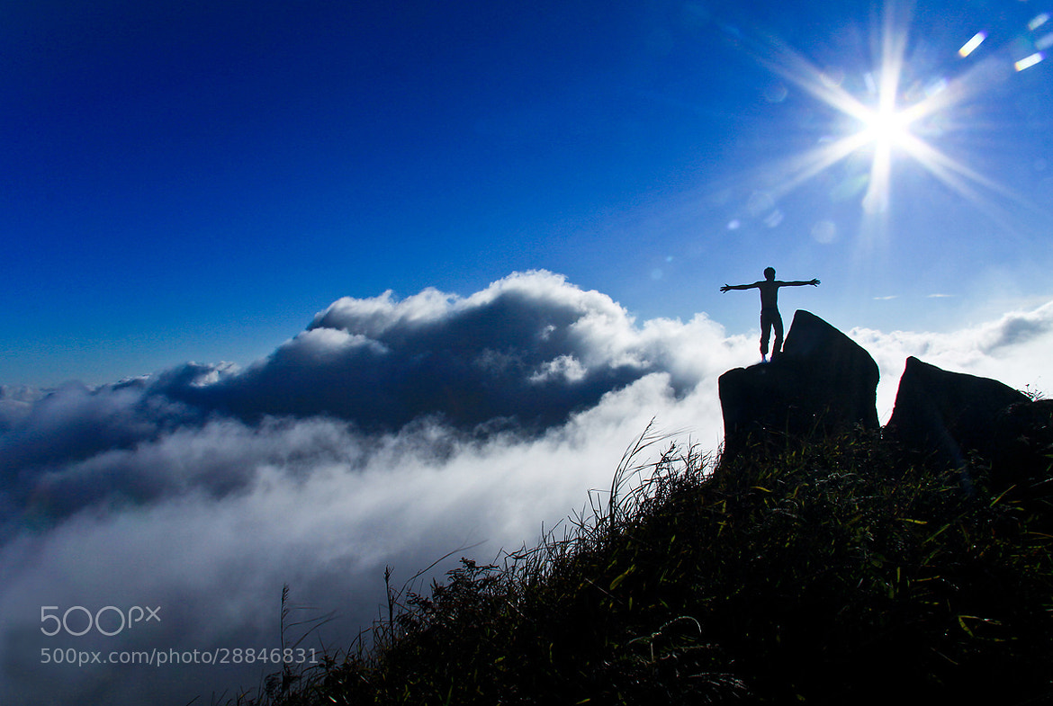 Photograph on the top by ทิวทิวา ภูตะวัน on 500px