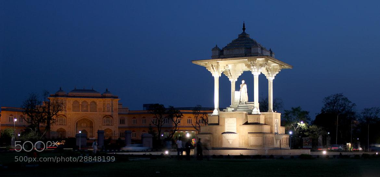 Photograph Statue circle by Yashovardhan Sodhani on 500px