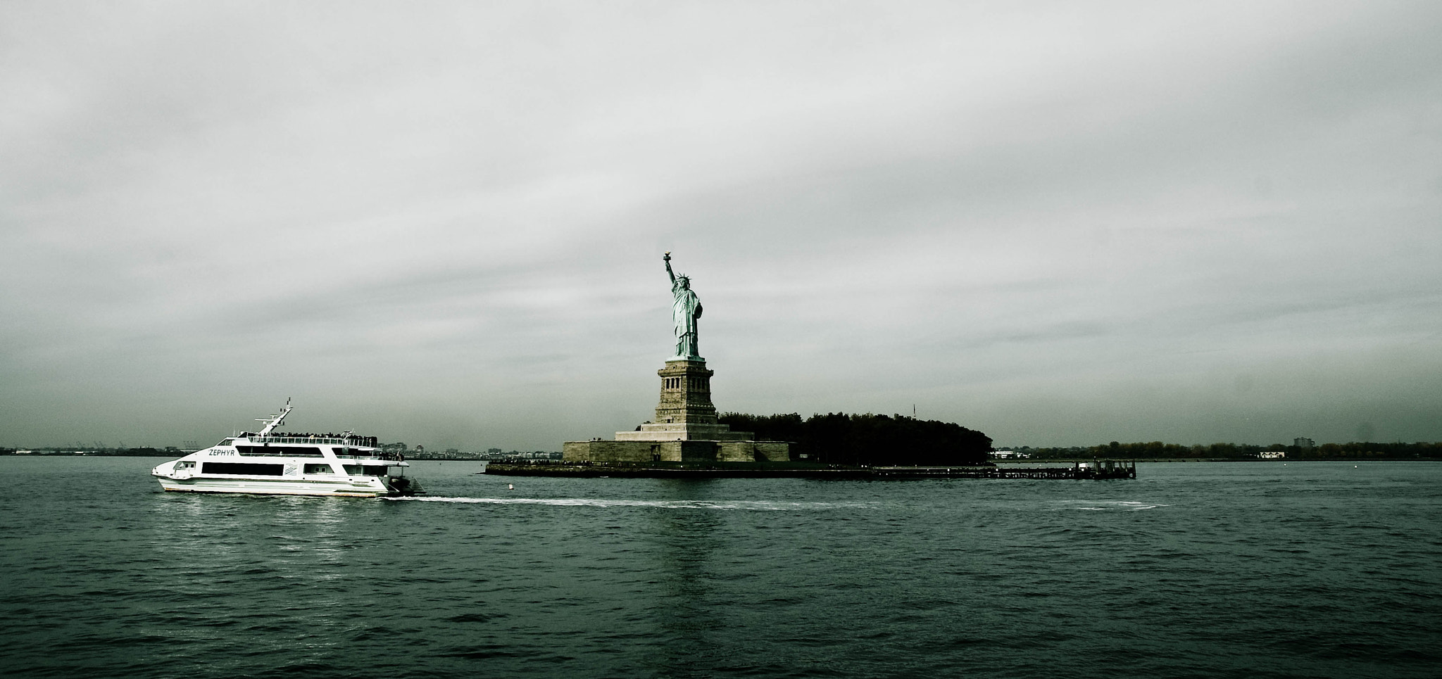 Photograph Statue of Liberty by googoh  on 500px