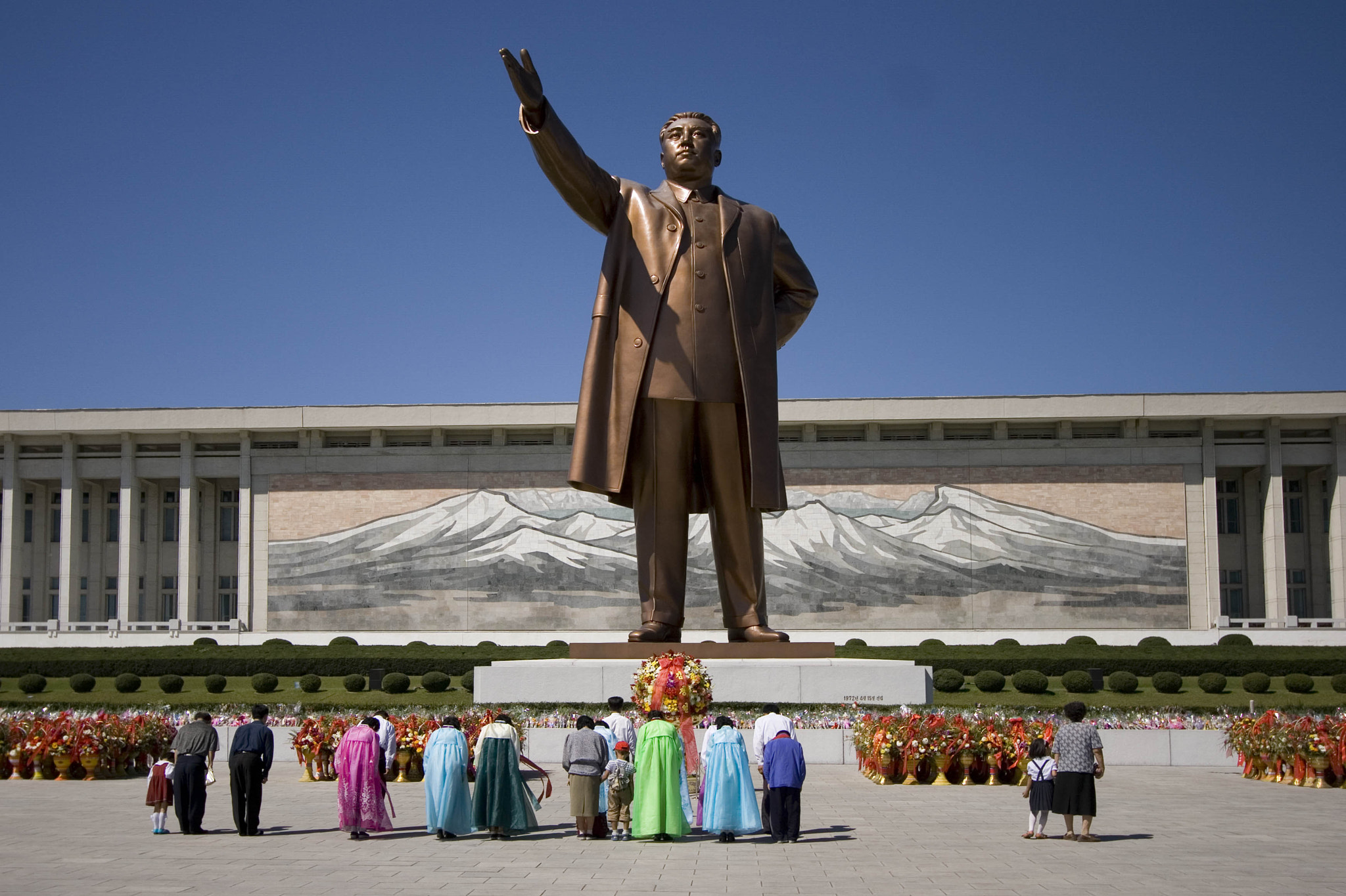Photograph Kim Il Sung Statue, Pyongyang by Shannon Ley on 500px