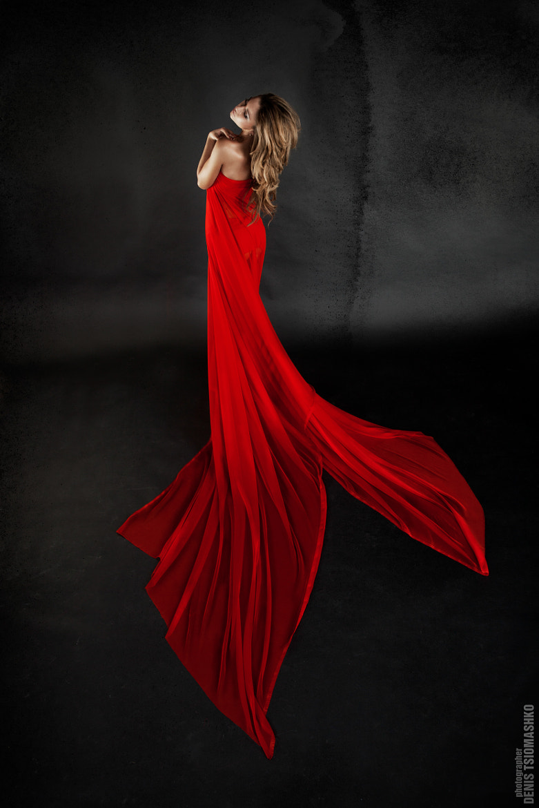 Photograph in red by Денис Циомашко on 500px