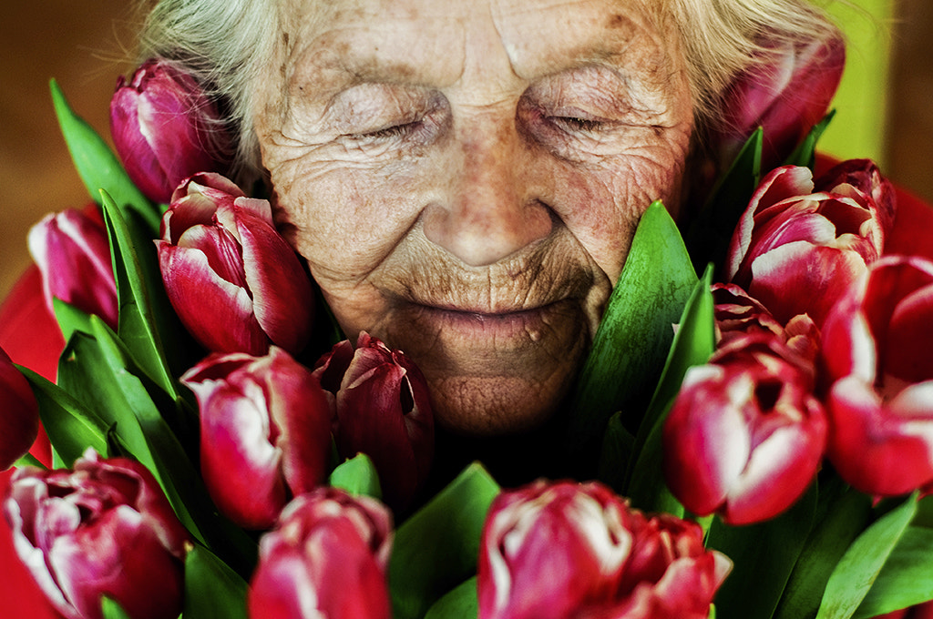 Photograph Lady and the Flowers [tribute to my grandma] by JakubNo PHOTOGRAPHY  on 500px