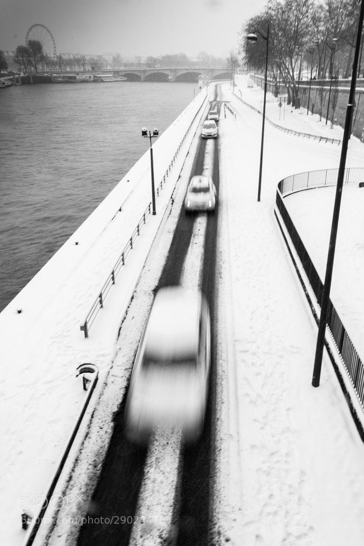 Photograph Paris Blanc 3 by Frédéric AMSELLEM on 500px