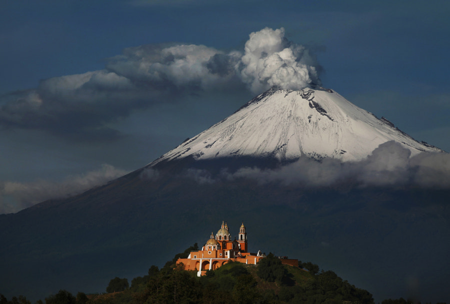 Popocatepetl snowy and smoking by Cristobal Garciaferro Rubio on 500px.com