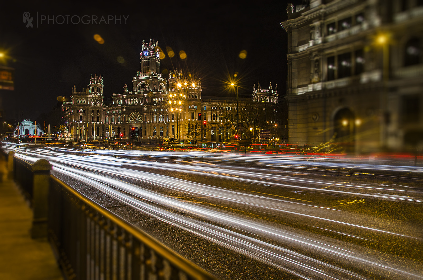 Photograph White Lines (Gran Vía Madrid) by Rui Xu on 500px