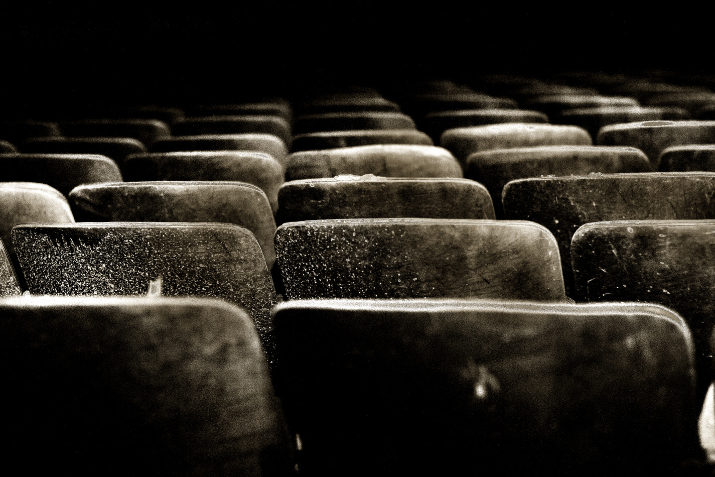 Photograph take a seat by Tony Bui on 500px